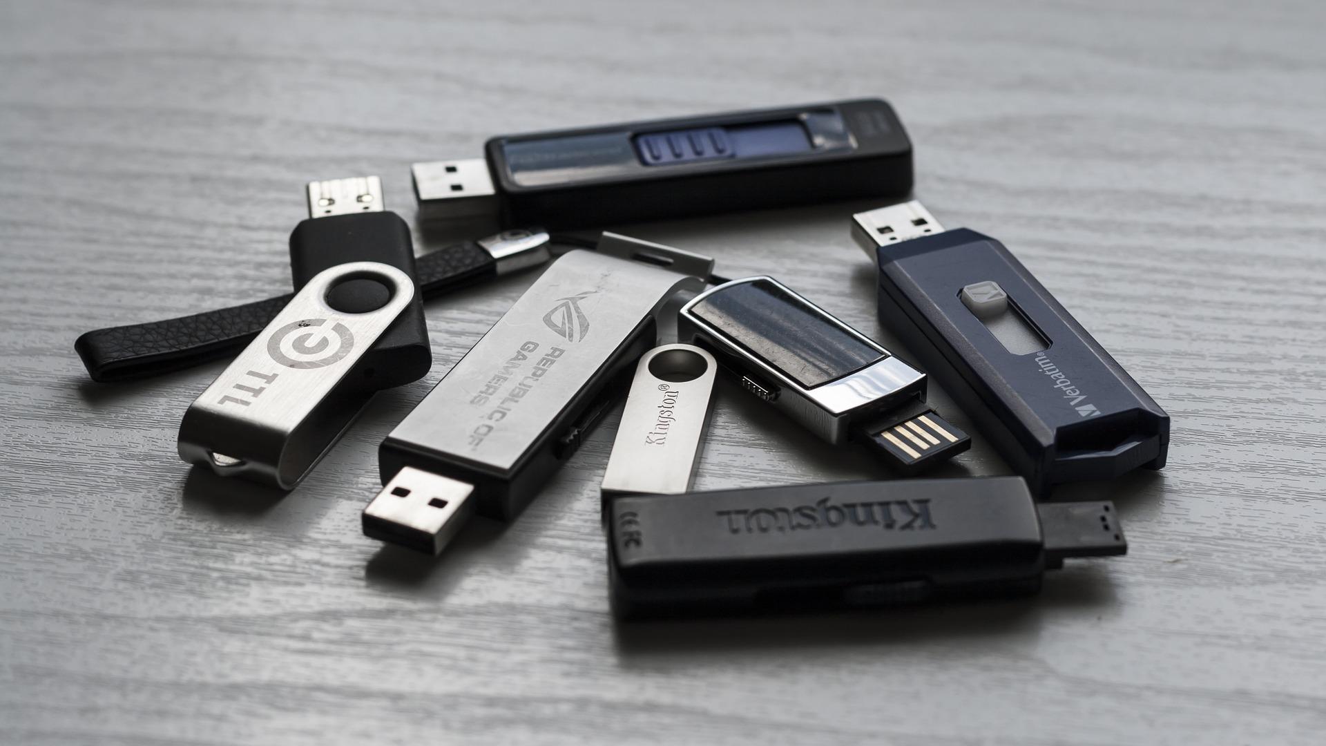 🧽  Как стереть USB-накопитель перед тем, как его выбросить